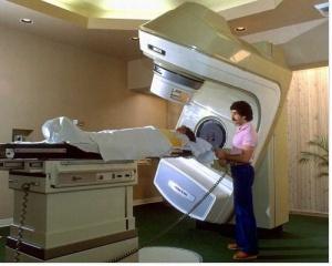 Dépistage du cancer du sein tous les deux ans pour les femmes de 50 à 74 ans.